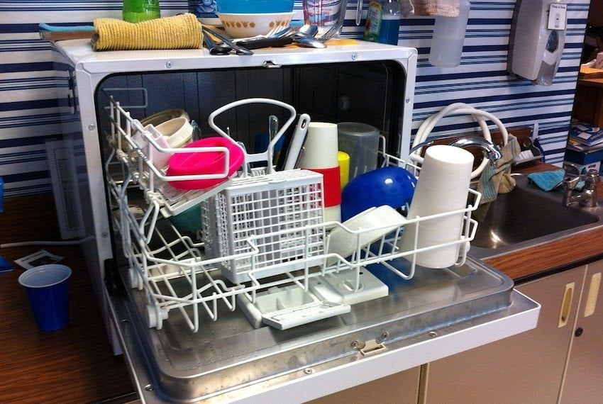 Tips On How To Clean A Smelly Dishwasher